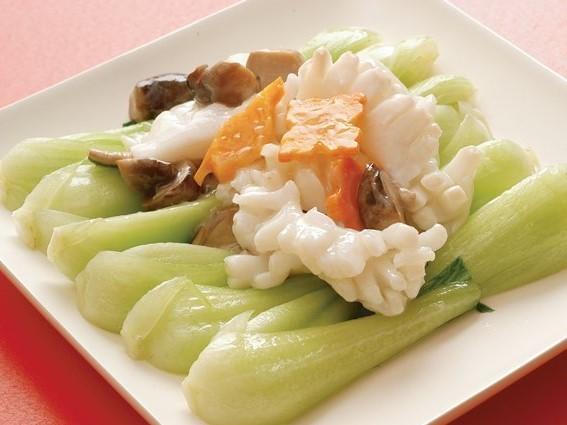 菜炒尤魚 イカと野菜の炒め ¥499(税込524)