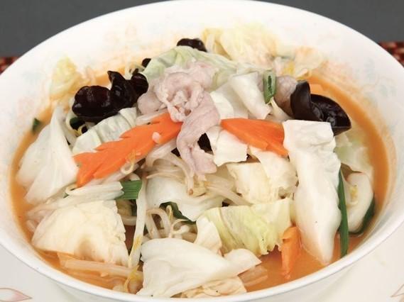 野菜入 濃厚味噌ラーメン ¥649(税込682)