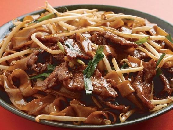 香港発きしめんと 牛肉の炒め ¥695(税込730)