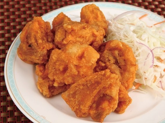 酥炸子 鶏鳥肉の唐揚げ ¥299(税込314)