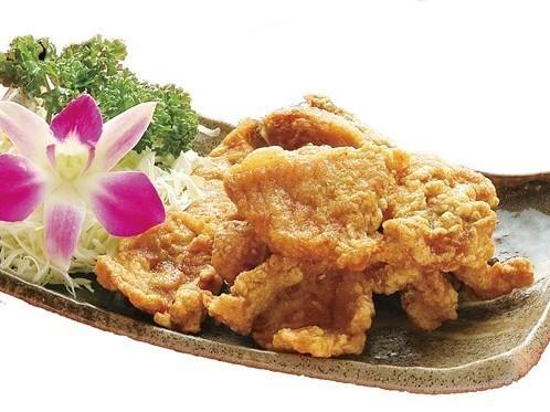 椒塩排骨 豚肉の塩こしょうの炒め ¥599(税込629)