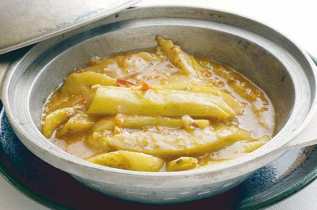 魚香茄子火 香港干し魚となすの炒め鍋 ¥800(税込\840)
