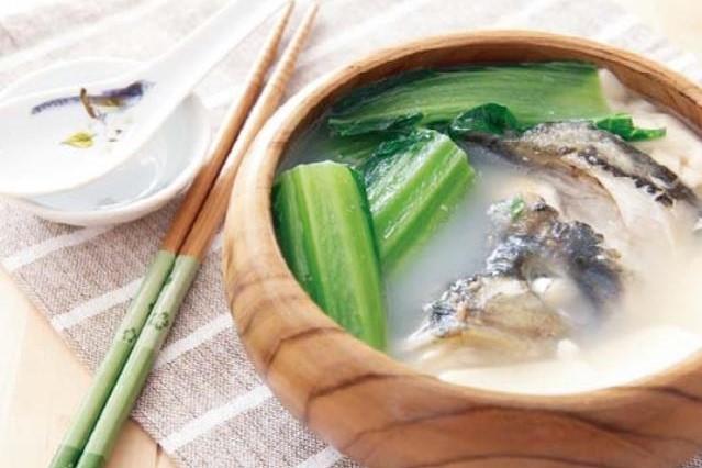魚頭豆腐湯 鯛のあらスープ ¥600(税込\630)