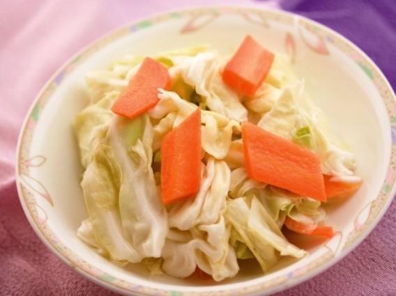 家郷泡菜 漬けキャベツ ¥199(税込209)