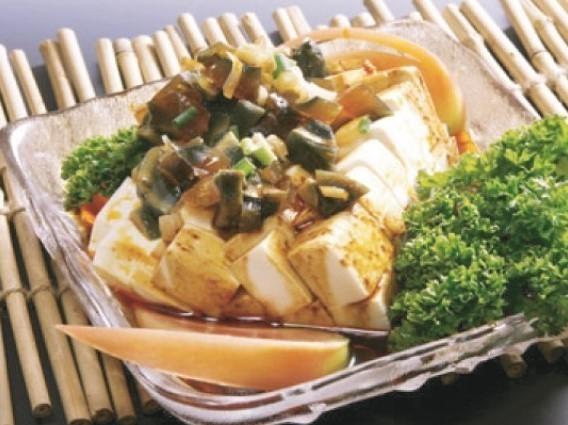 皮蛋豆腐 ピータン豆腐 \299(税込\314)