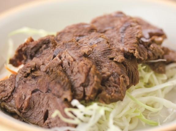 五香牛腱 牛スネ肉の?油煮 ¥499(税込¥524)