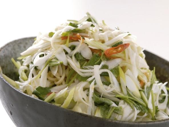 香菜沙拉 (パクチー) 香菜サラダ ¥499(税込¥524)