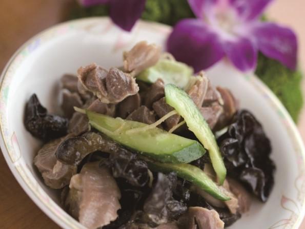 風味拌鶏珍 砂肝の和え物 ¥499(税込¥524)