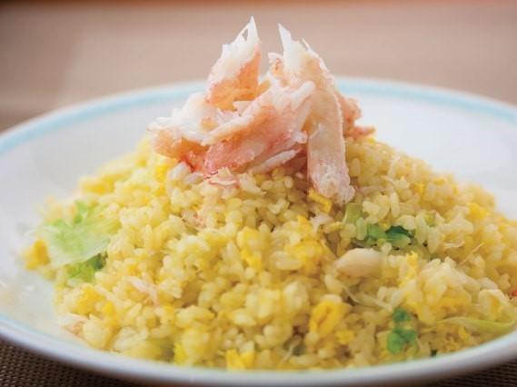 生菜蟹肉炒飯 ズワイガニチャーハン (レタス入り) ¥599(税込¥629)