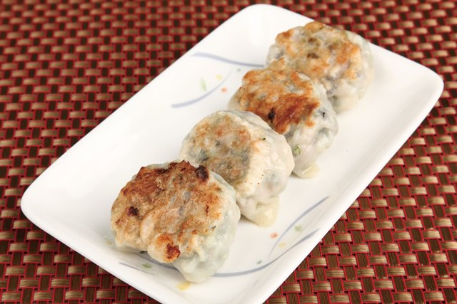 香煎餃子 焼き海老ギョウザ 9(税込4)
