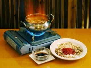 台湾地鶏と地酒の鍋 漢方薬入り 黒ごま油入り 各4、200円