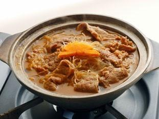 牛肉と春雨の 沙茶醤煮込み鍋 1、575円